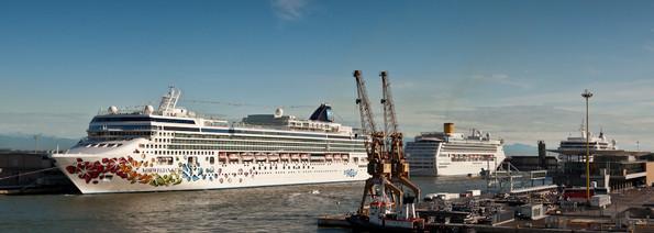 2.000.000 di passeggeri nel 2014. Primo home port del Mediterraneo.