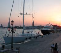 Yacht ormeggiati in riva Sette Martiri