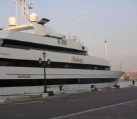 Yacht in Riva Sette Martiri