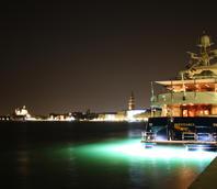 Yacht ormeggiato in Riva Sette Martiri