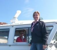 Roberta Coppa. prima donna pilota in Italia, sta per andare a prendere una nave