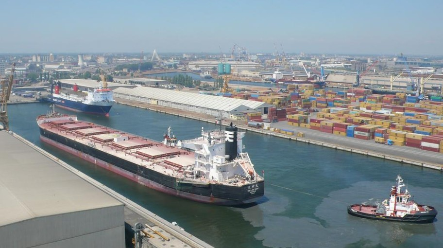 The ship berthed at Marghera's Terminal Rinfuse Italia (Euroports Italy), a bulk