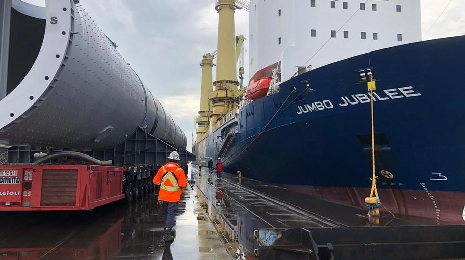 La Jumbo Jubilee salpa dal Porto di Venezia con due mega reattori