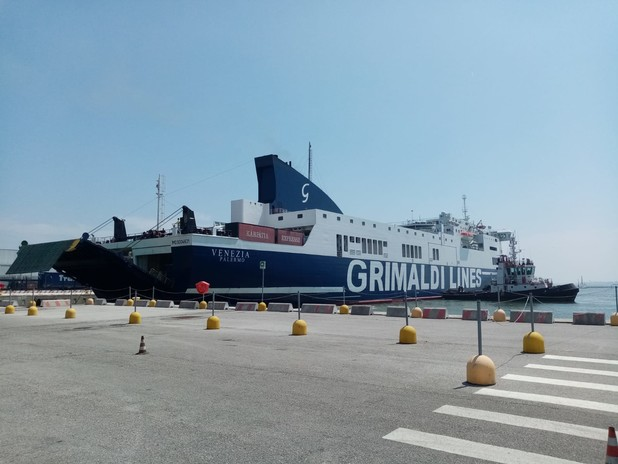Nave RO-PAX Venezia