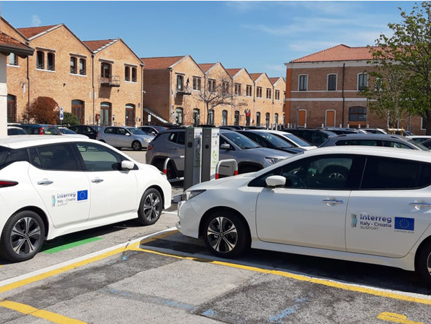 The first two electric cars in service for the ports of Venice and Chioggia