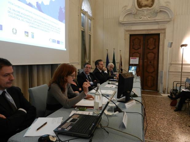 Il segretario Generale dell'Autorità Portuale di Venezia, Claudia Marcolin, inte
