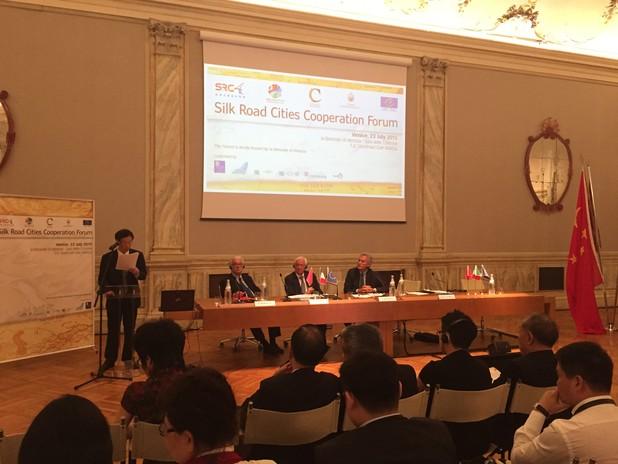 Immagine dei relatori del forum