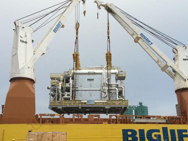 Il project cargo viene caricato sulla nave