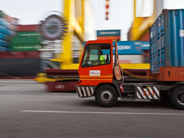 Operatività in uno dei terminal container del porto di Venezia