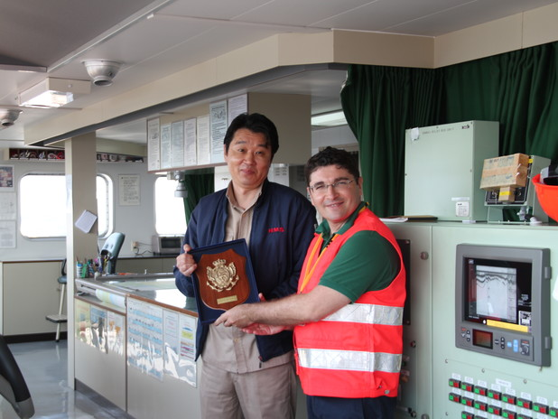 President Musolino with the Master of APL New Jersey vessel