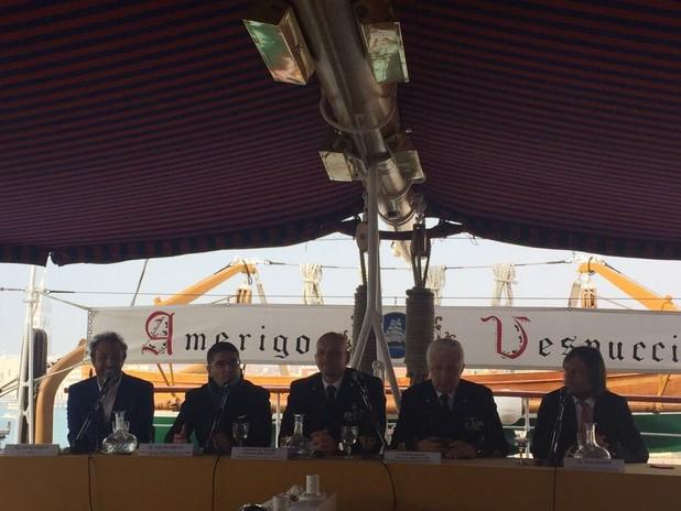 Un momento della conferenza stampa a bordo del Vespucci