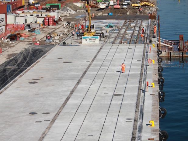 Riconsegnati al terminal Tiv i primi 100 metri della banchina Veneto dopo i lavo