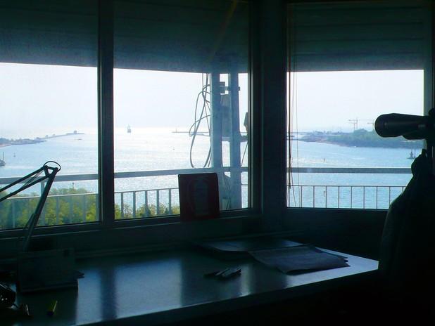I piloti del Porto di Venezia sono una trentina, e dalla loro torre hanno una st
