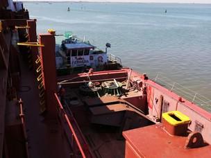 Operazioni portuali al Porto di Chioggia