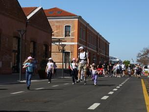2011 Su e Zo per i Ponti, passage through Santa Marta port area
