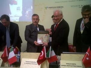 Il Presidente dell'Autorità Portuale di Venezia Paolo Costa e e il Sottosegretar