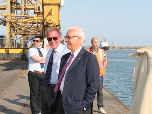 Il Presidente dell'Autorità Portuale Costa e il General Manager del Terminal Vec