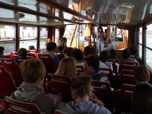 Una scolaresca in visita al Porto di Venezia