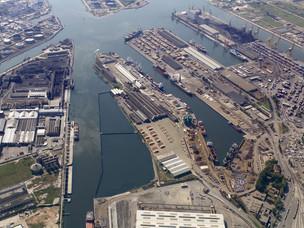 Foto aerea del porto commerciale di Marghera