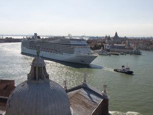 Cruise ship in front of Punta della Dogana